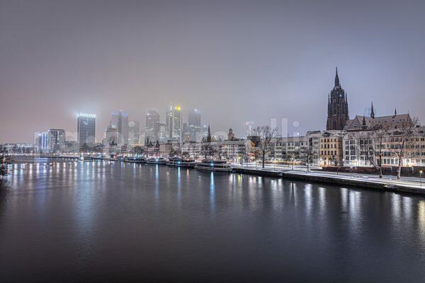 Die verschniete Stadt Frankfurt am Main (17.01.2021)