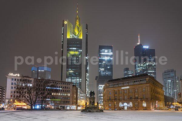 Wintereinbruch in Frankfurt am Main (08.02.2021)