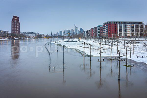 Wintereinbruch in Frankfurt am Main (09.02.2021)