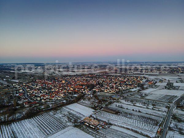 Ockstadt in der Wetterau im Winter bei Sonnenuntergang (13.02.2021)