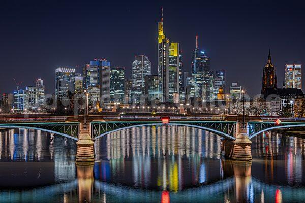 Frankfurt Skyline bei Nacht (23.02.2021)
