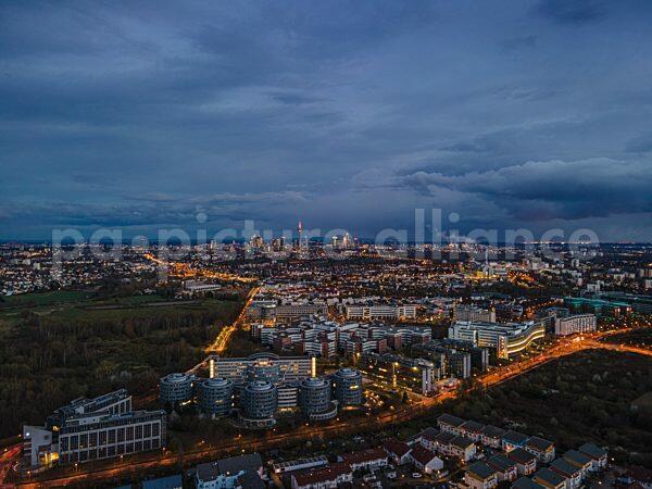 Wolken über Frankfurt (06.04.2021)