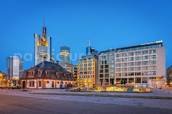 Die Hauptwache in Frankfurt am Main (09.04.2021)