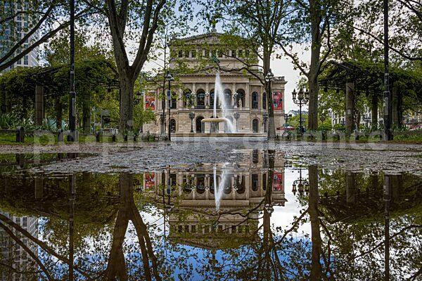 Die Alte Oper in Frankfurt am Main (26.05.2021)