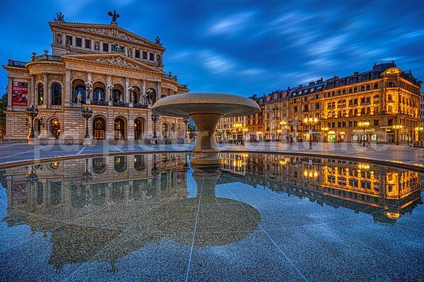Die Alte Oper in Frankfurt am Main (08.07.2021)