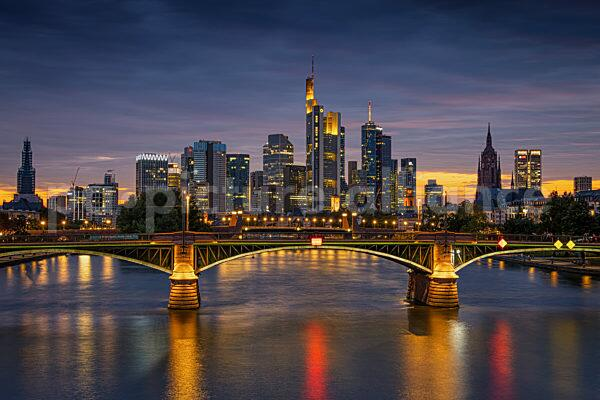 Wolken über der Frankfurter Skyline (25.08.2021)
