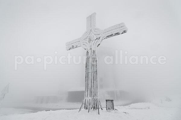 Das Gipfelkreuz am Grossen Feldberg (04.01.2021)
